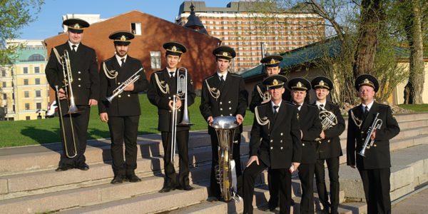 Морской оркестр на причале